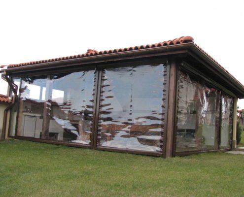 Inchidere terasa cu capse si bride